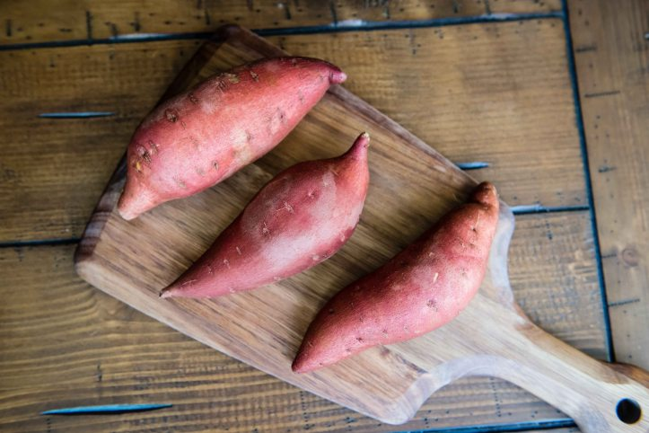Garnet yams, which are really sweet potatoes. I can never remember which is which. It's very confusing.